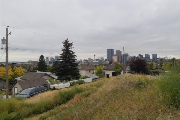 1012 Drury AV NE, Calgary