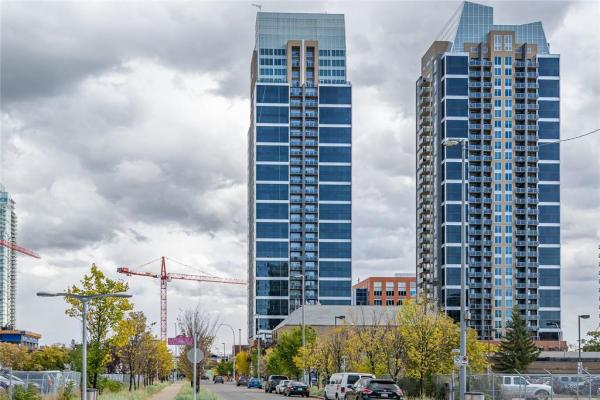 #608 211 13 AV SE, Calgary