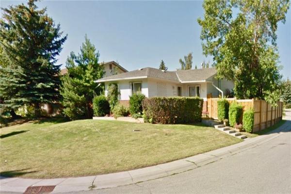 152 MIDCREST CR SE, Calgary