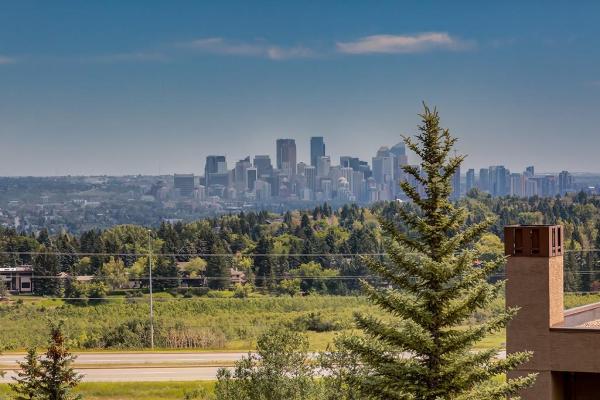 #10 215 VILLAGE TC SW, Calgary