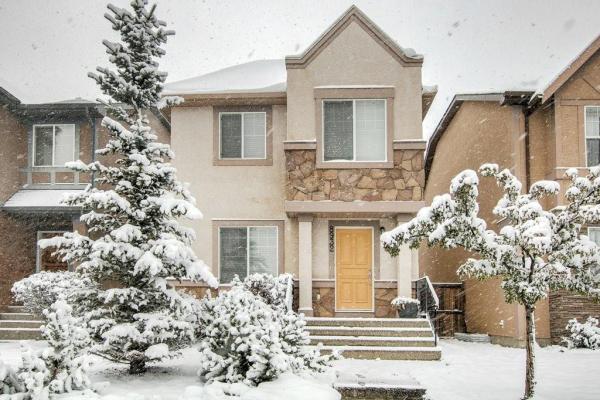 8932 WENTWORTH AV SW, Calgary