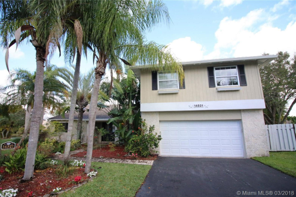 14521 Hampton Place, Davie