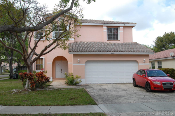 4439 NW 43rd St, Coconut Creek