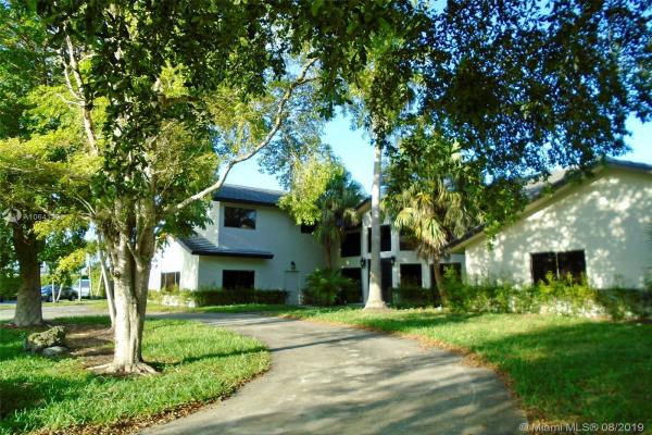 1547 NW 92nd Way, Coral Springs