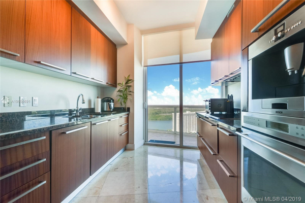 15901 Collins Ave, Sunny Isles Beach