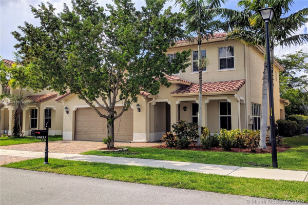 10611 NW 36th St, Coral Springs