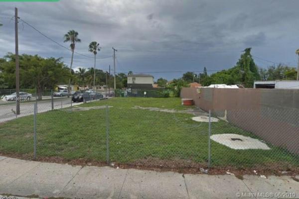 4655 NW 17th Ave, Miami