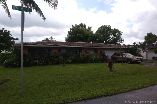 7804 NW 41st St, Coral Springs