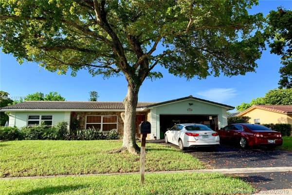 11040 NW 43rd Ct, Coral Springs