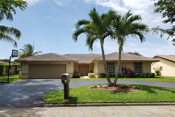 8348 NW 7th St, Coral Springs