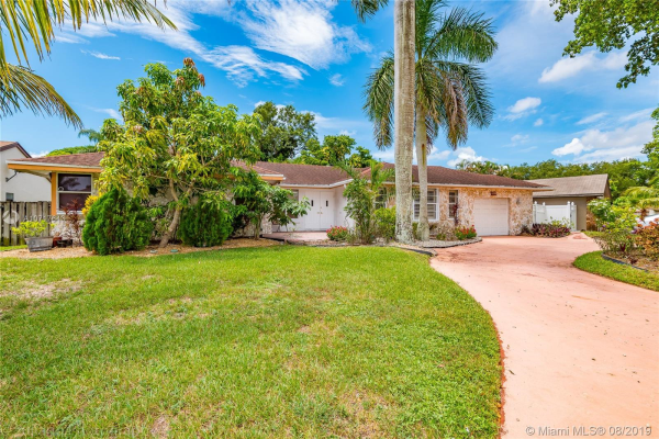 11330 NW 45th St, Coral Springs