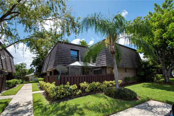 2504 NW 99th Ave, Coral Springs
