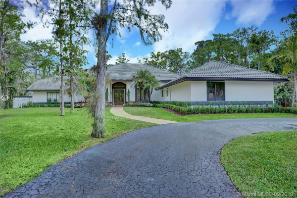 4933 NW 81st Ave, Coral Springs