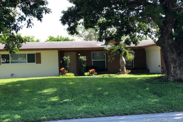 212 SW 11th Ave, Boynton Beach