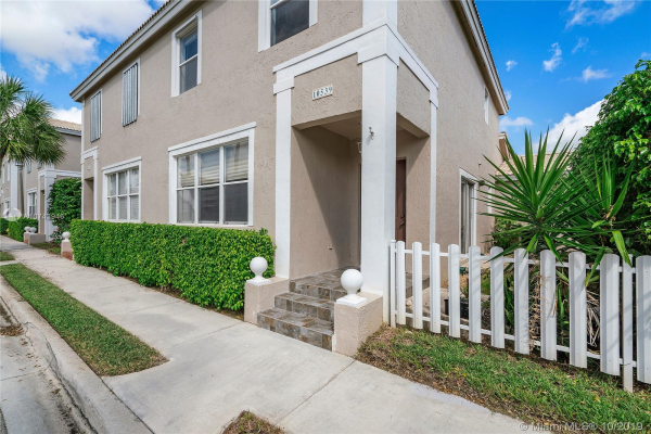 10539 NW 57th St, Coral Springs
