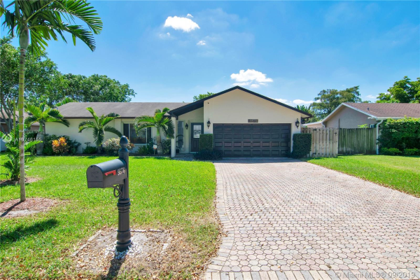 9576 NW 27th Ct, Coral Springs