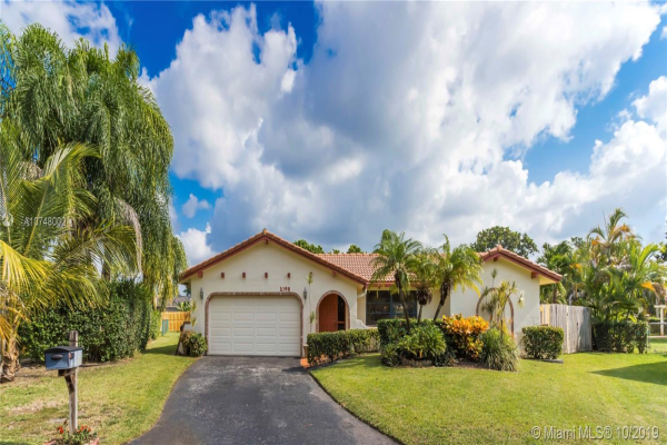 1098 NW 82nd Ter, Coral Springs
