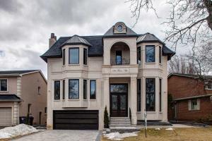 196 Fenn Ave, Toronto