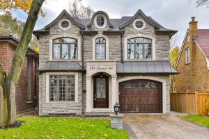 143 Leacrest Rd, Toronto