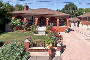 12 Madawaska Ave, Toronto
