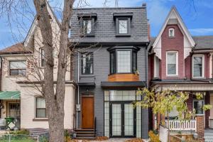 53 Palmerston Ave, Toronto