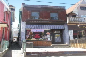38 Kensington Ave, Toronto