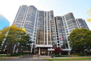 10 Kenneth Ave, Toronto