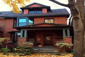 506 Markham St, Toronto