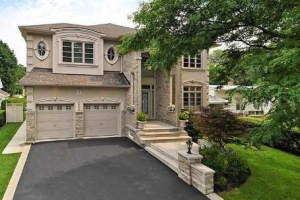 9 Addison Cres