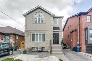 16 Carmichael Ave, Toronto
