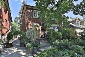 309 Warren Rd, Toronto