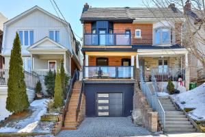 385 Keewatin Ave, Toronto