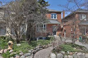 216 Roslin Ave, Toronto
