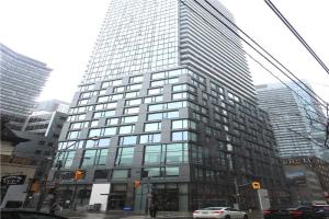 101 Peter St W, Toronto
