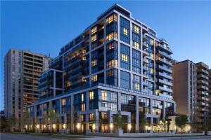 305 Roehampton Ave, Toronto