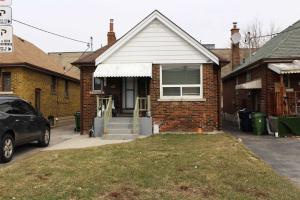 62 Lanark Ave, Toronto