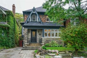 64 Parkhurst Blvd, Toronto