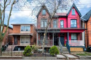 222 Markham St, Toronto