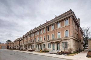 37 Hargrave Lane, Toronto