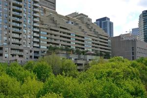 360 Bloor St E, Toronto
