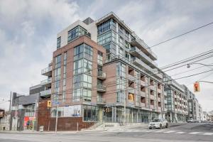 2 Gladstone Ave, Toronto