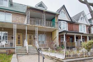 130 Beatrice St, Toronto
