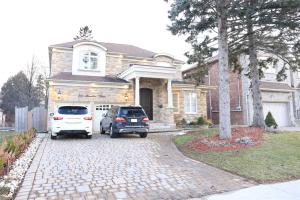 211 Hounslow Ave, Toronto