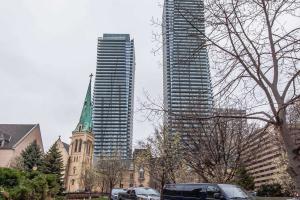 1080 Bay St, Toronto