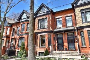 28 Tranby Ave, Toronto
