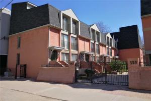 325 Jarvis St, Toronto