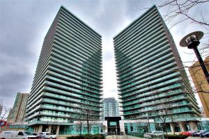 5508 Yonge St, Toronto