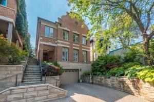 318 Spadina Rd, Toronto
