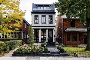 111 Givins St, Toronto