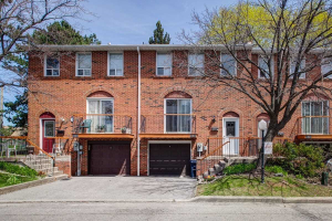 3 Black Hawk Way, Toronto